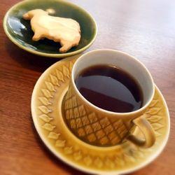 ひつじクッキーとカップ&ソーサー.jpg