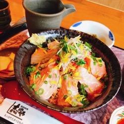 志のやさん炙り銀鮭丼 (1).jpg